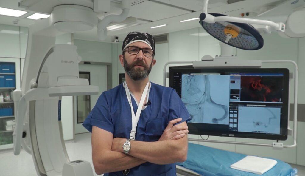 Doctor Claudio Rodríguez Fernández, Unidad de Neurorradiología Intervencionista de la Fundación Jiménez Díaz (FJD).